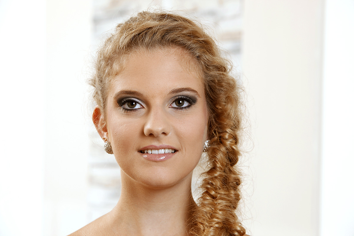 Salon-Buckler-Make-Up